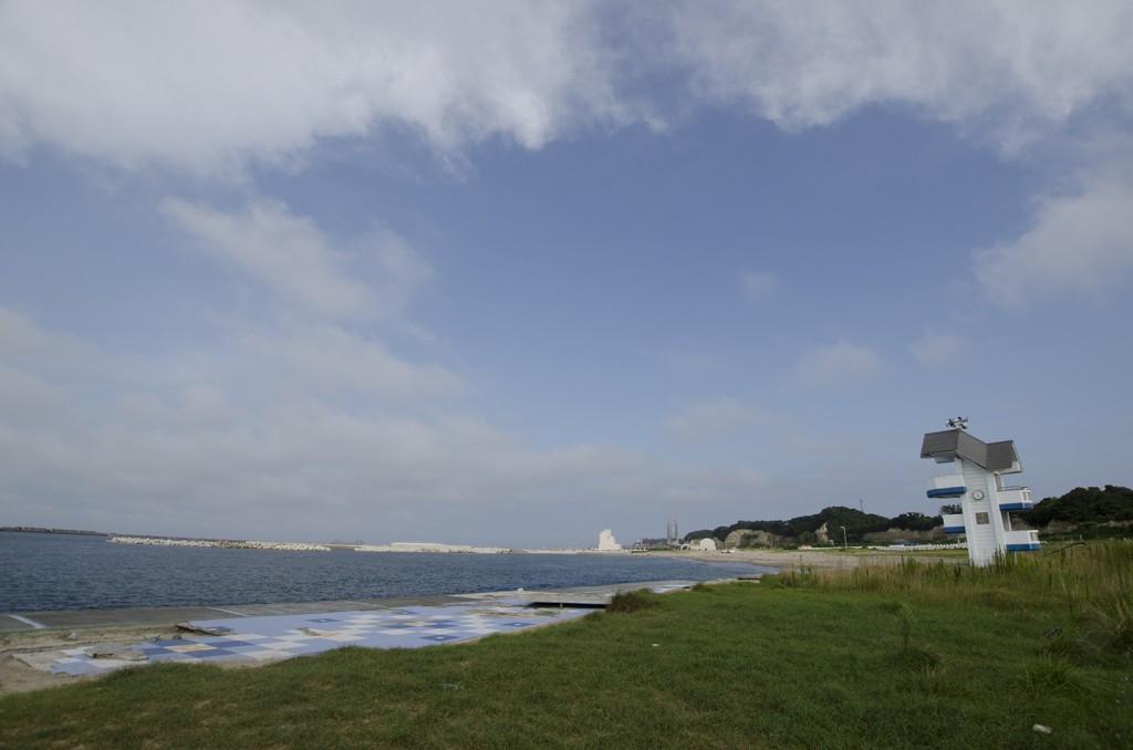 原釜・尾浜海水浴場。水上バイクを楽しむ人もいた。